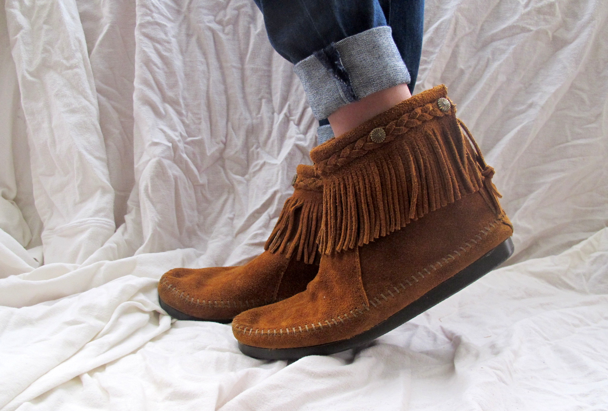 Minnetonka Moccasins Boots Brown Suede Fringe Ankle High on Luulla